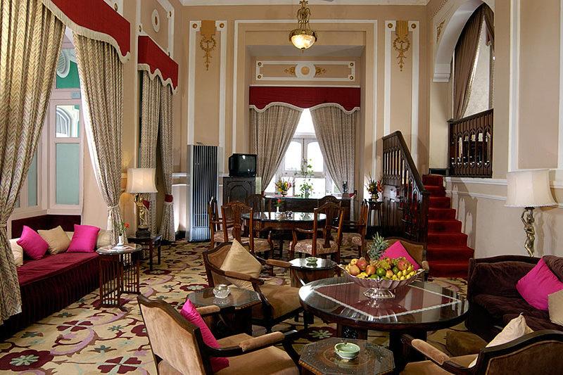 Duplex-Suite-living-room